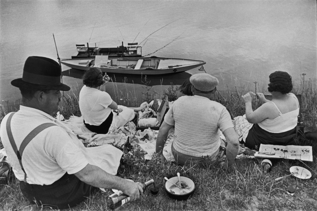 Sunday on the Banks of the Seine, France (1938) by Henri Cartier-Bresson, from the Simon & Schuster edition of The Decisive Moment (1952), pp. 19–20; © Henri Cartier-Bresson/Magnum Photos