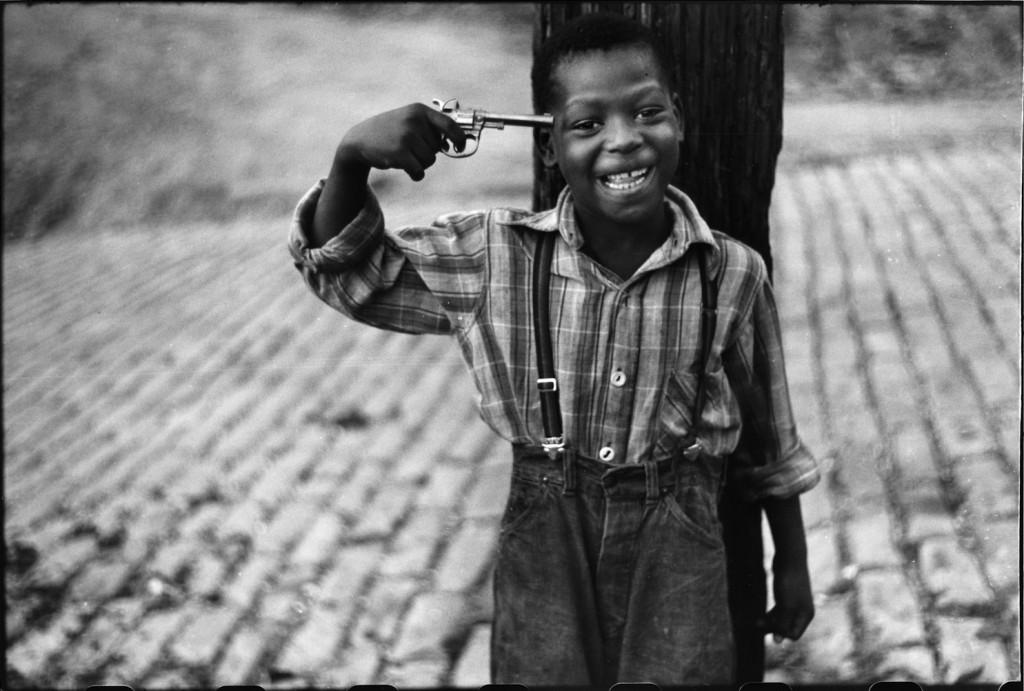 From the series Children on Beelen Street, Pittsburgh, PA (1950) by Elliott Erwitt © Elliott Erwitt/Magnum Photos; courtesy Carnegie Library of Pittsburgh